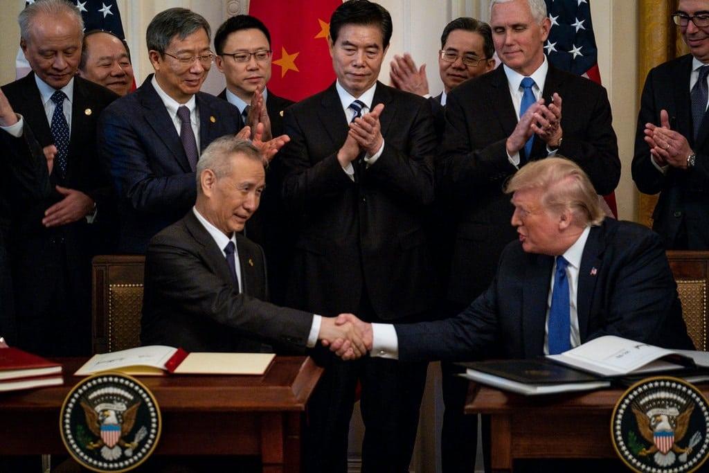 """סין וארה""""ב חוזרות לדבר על הסכמי הסחר בפעם הראשונה מאז התפרצות מגפת הקורונה"""